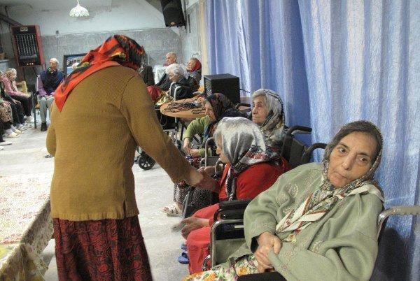 ناوگان حمل ونقل شهری درزنجان برای سالمندان مناسب سازی نشده است