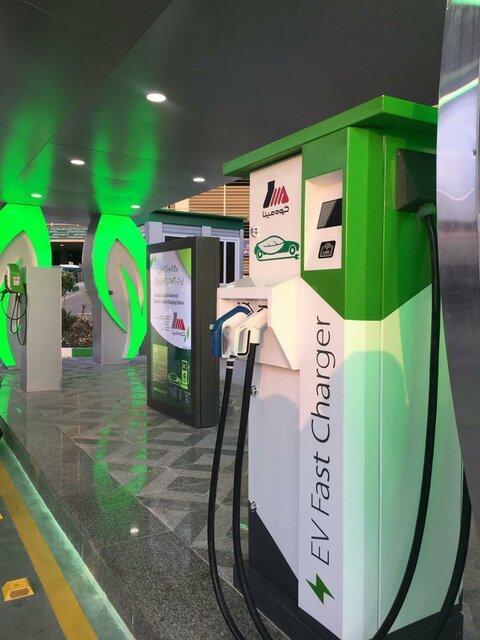 افتتاح نخستین جایگاه شارژ خودروهای برقی در ایران