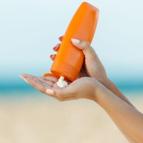 نکته بهداشتی: محافظت از خورشید برای پوست های تیره