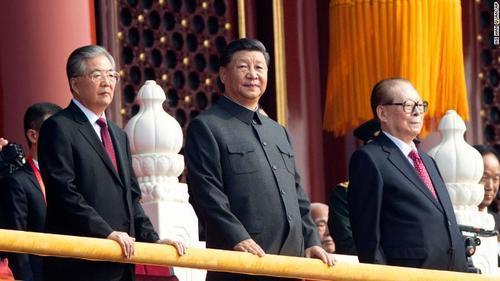 جشن هفتادمین سالگرد چین کمونیست، رییس جمهوری چین: امروز هیچ قدرتی قادر نیست پایه های ما را بلرزاند (