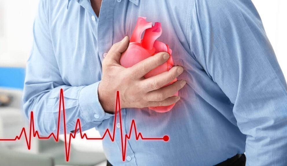 علائمی که خبر از سکته حاد قلبی می دهند