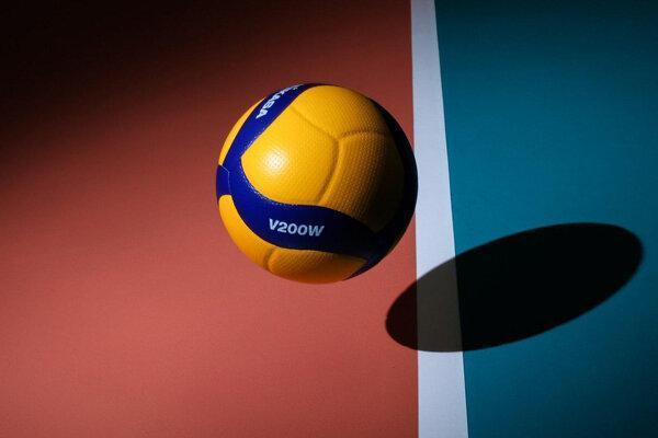 رفتار متناقض فدراسیون والیبال در بخش زنان و مردان!