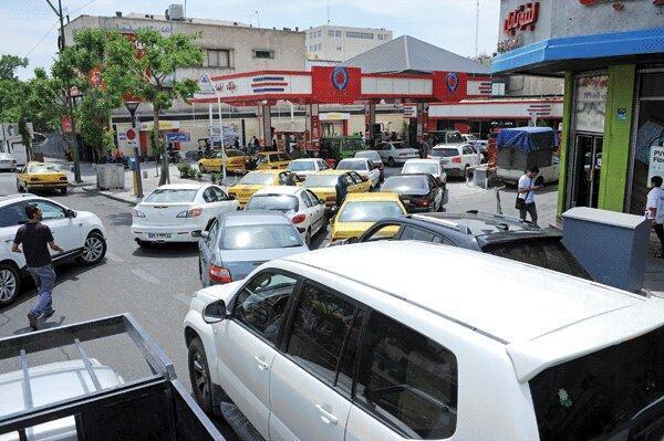 سرگرمی بنزینی در میانه نبرد با کرونا ، کاهش 50 درصدی مصرف بنزین به نفع دولت است؟