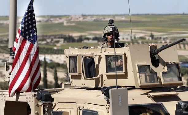 ورود نفربر های زرهی آمریکا از عراق به میدان نفتی سوریه