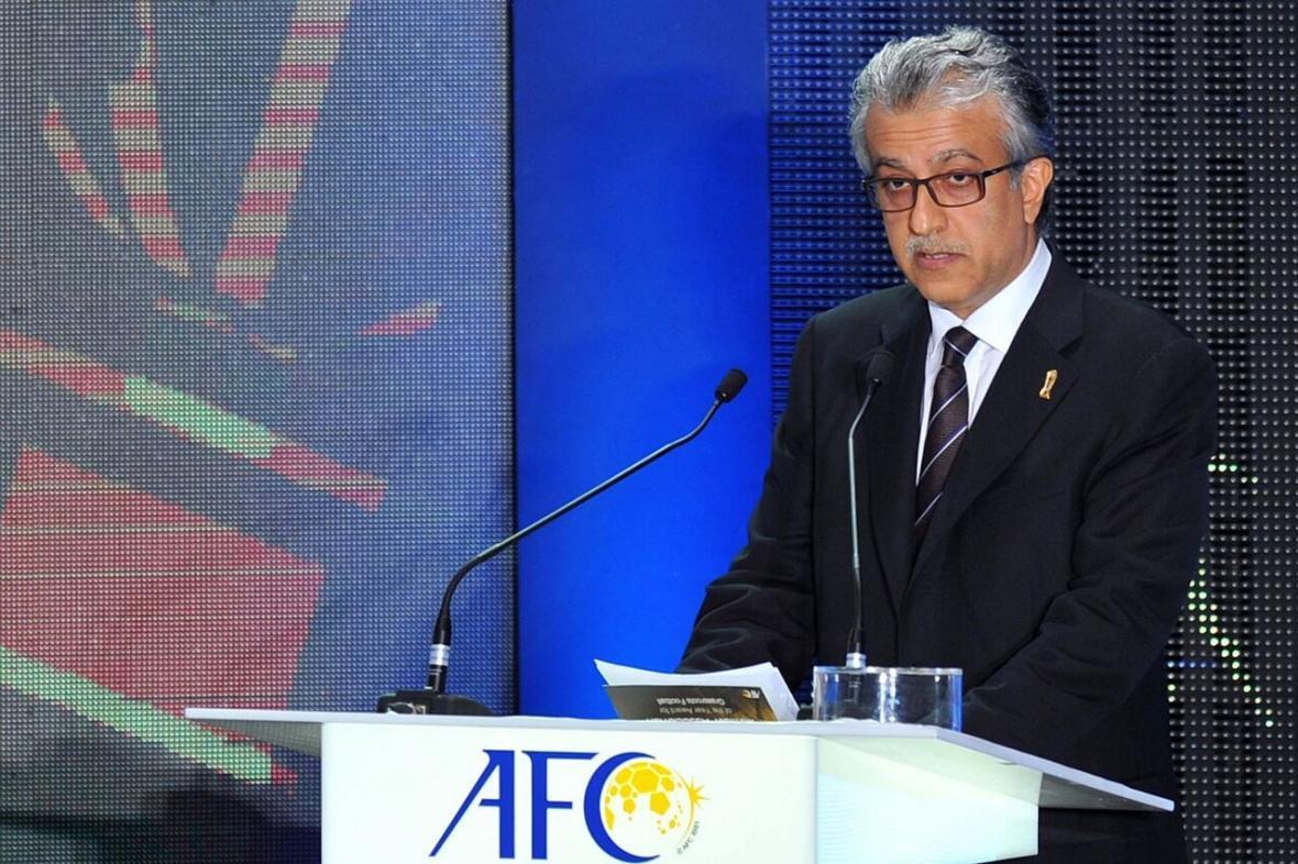 خبرنگاران شیخ سلمان قهرمانی پرسپولیس را تبریک گفت
