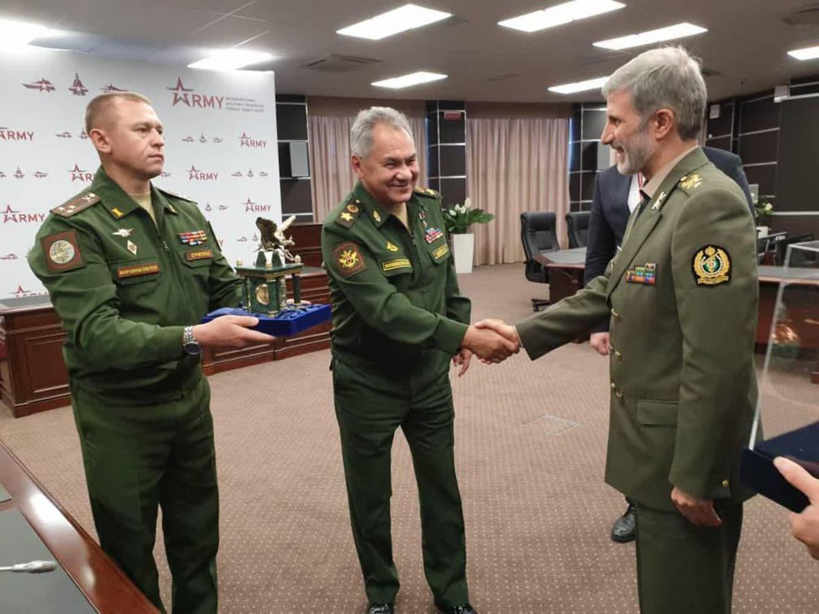 وزیر دفاع: ایران و روسیه اهداف مشترکی دارند، لزوم همکاری تهران و مسکو با توجه به استمرار تهدیدات