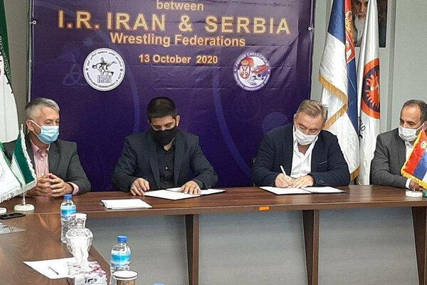 تفاهم نامه همکاری فدراسیون های کشتی ایران و صربستان امضا شد