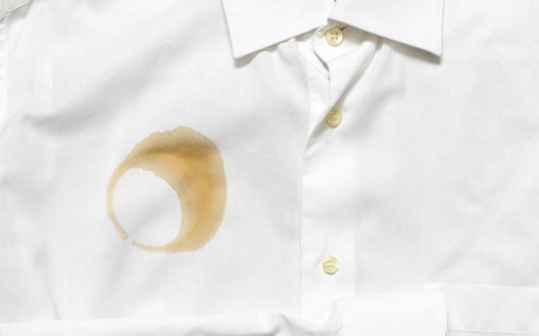 چطور لکه لباس سفید را از بین ببریم؟