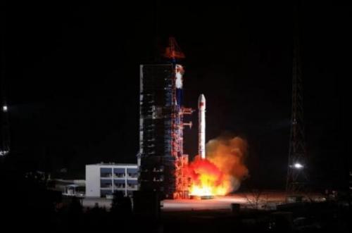چین ماهواره ارتباطی به مدار زمین فرستاد