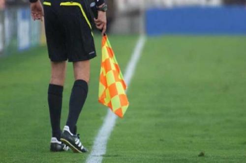 خبرنگاران هفت داور یزدی لیگ های فوتبال کشور را قضاوت می نمایند