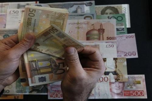 نرخ رسمی یورو و 30 ارز دیگر کاهشی شد