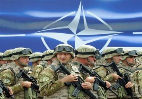 الفتح: آمریکا و اروپا در پی افزایش نیروهای ناتو در عراقند
