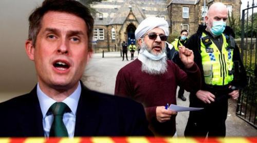 خبرنگاران دولت انگلیس یک رویداد اسلام ستیزانه را تحریف کرد