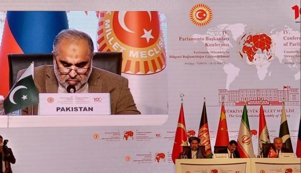 خبرنگاران رئیس مجلس پاکستان: متعهد به تقویت ارتباط منطقه ای بزرگ تر هستیم