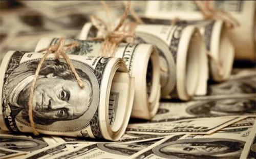 دلار در صرافی های بانکی به 24 هزار و 467 تومان رسید