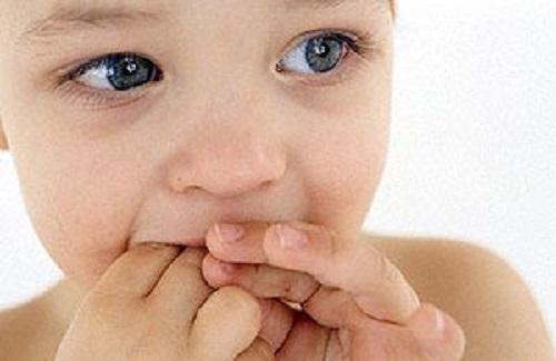 مهمترین علل مکیدن انگشت در بچه ها