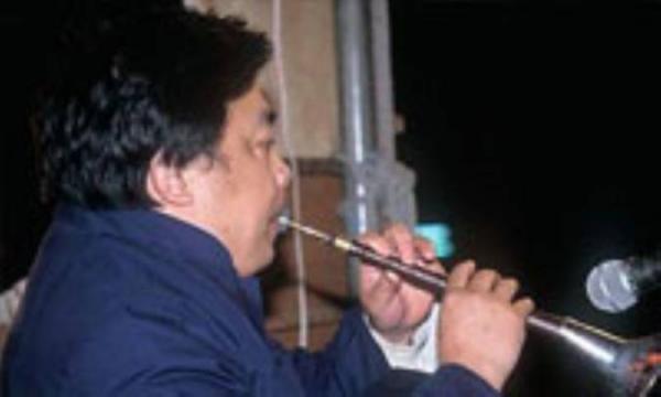 نواختن سازهای بادی و مخاطرات دهان و دندان